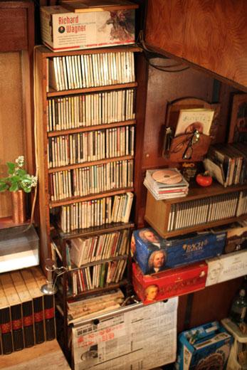 名曲喫茶「麦」・CD棚