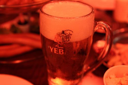 肉の万世・ビール