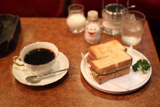「喫茶 ショパン」コーヒーとハムトースト
