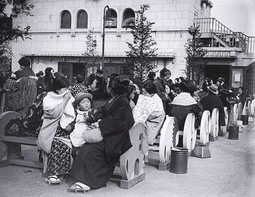 昭和4年頃の上野松坂屋屋上