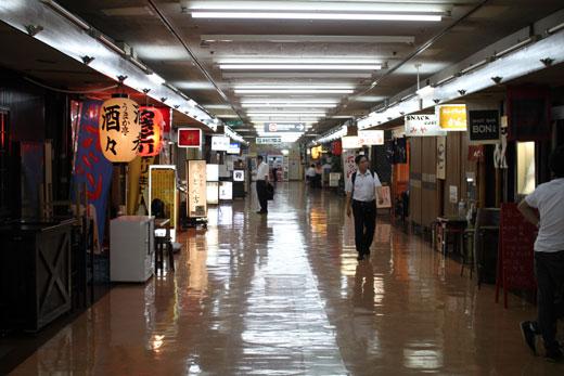 新橋駅前ビル・地下飲み屋街