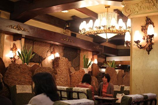 高級喫茶「古城」・店内