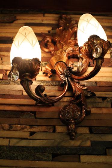 高級喫茶「古城」・ランプ
