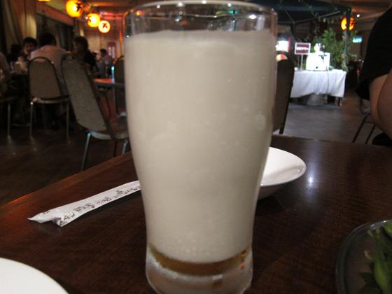 ジャングルビアガーデン・泡ビール