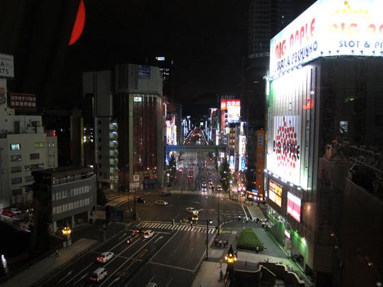 秋葉原・夜の中央通り