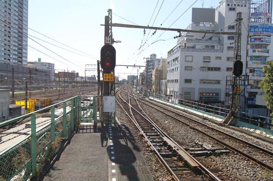 鶴見駅・鶴見線の線路