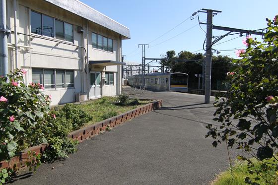 鶴見線・浅野駅その一