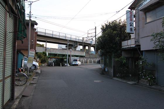鶴見線・浜川崎駅近くその一