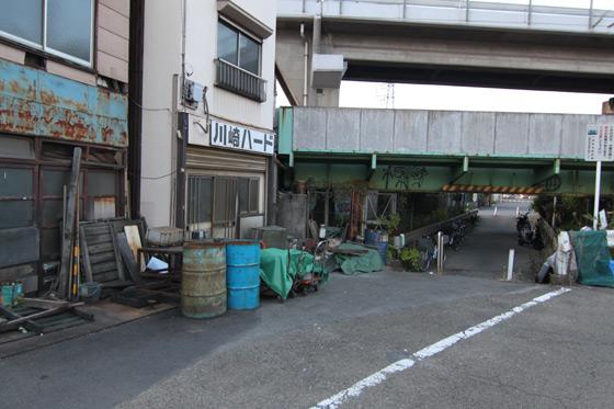 鶴見線・浜川崎駅近くその三