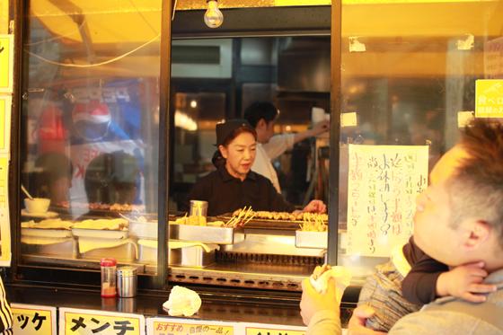 上野アメ横「肉の大山」 焼き鳥販売
