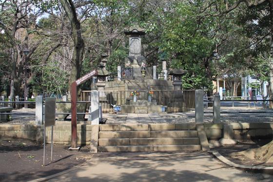 上野・彰義隊士墓