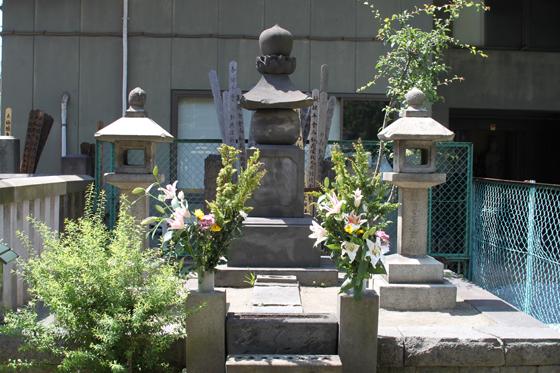 円通寺の彰義隊士墓