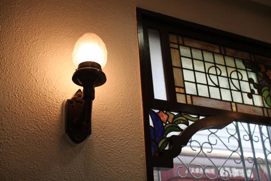 洋菓子「柏水堂」のランプ
