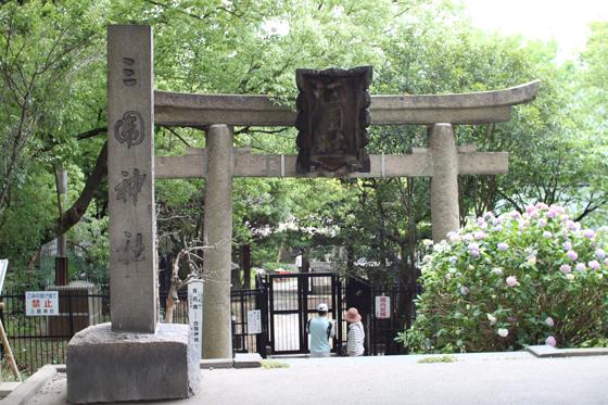 旧墨堤からの三囲神社
