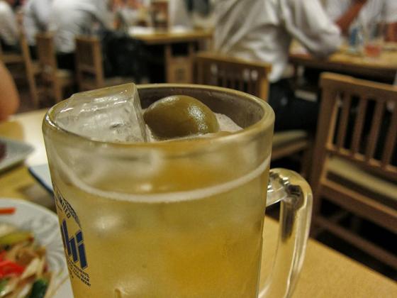 居酒屋鶴亀・梅酒ソーダ割り