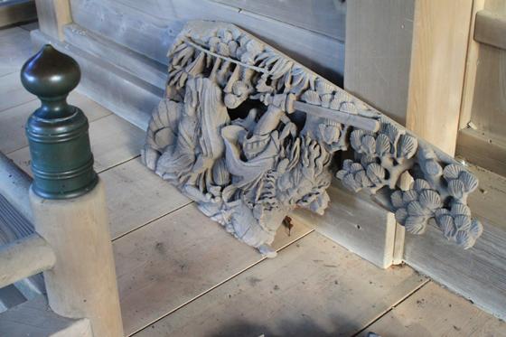 海南刀切神社の彫刻(八岐の大蛇の退治)剥落