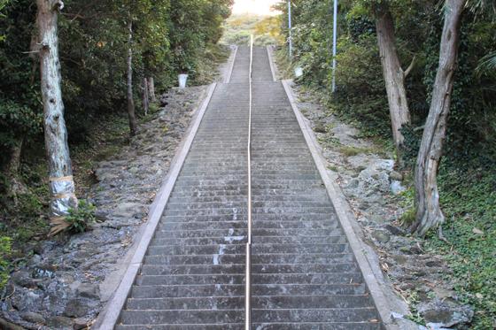 洲崎神社の厄祓坂