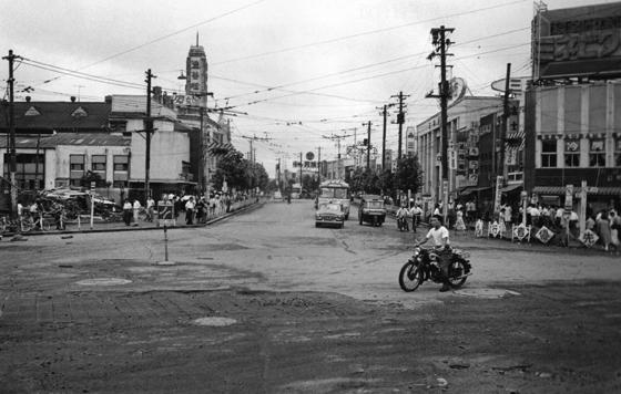 昭和30年代の渋谷駅前交差点