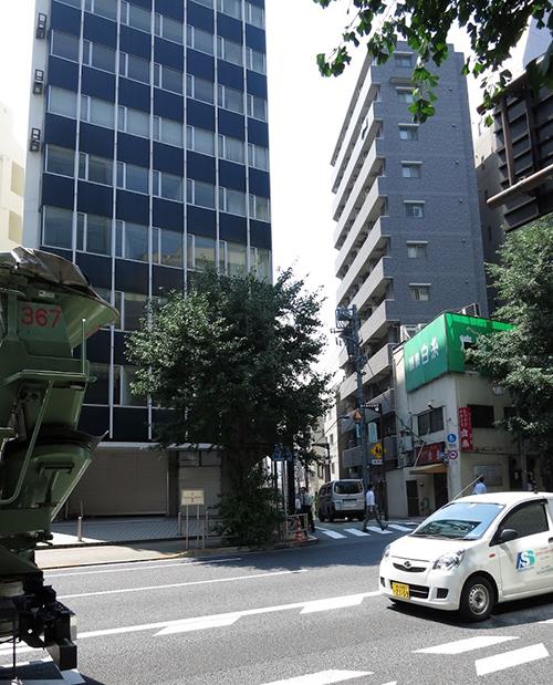 文京センタービルと菊坂